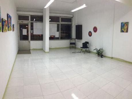Casa Central - Lindo Local Reciclado A Pasos De Bvar. EspaÑa