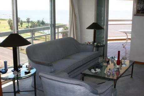 Amplio Apartamento Sobre Rambla