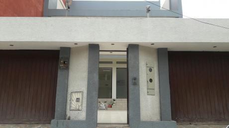 Casa Bien Ubicada A Una Cuadra De Av Escuadron Velasco Y Segundo Anillo