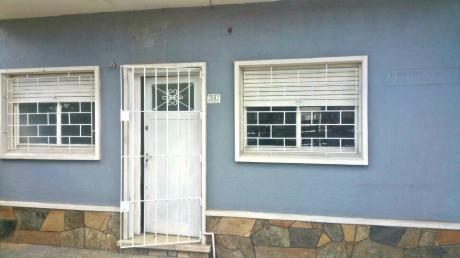 Reservado: Apto Tipo Casa Dos Dorm, Patio, Con Cochera.