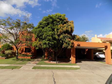 Casa En Alquiler , Urbanización Hacienda II, Av. Beni 6to Anillo