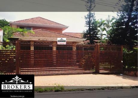 Vendo-alquilo Residencia De 1200 M2 Para Spa/consultorio/empresas - Bo. Mburicaó
