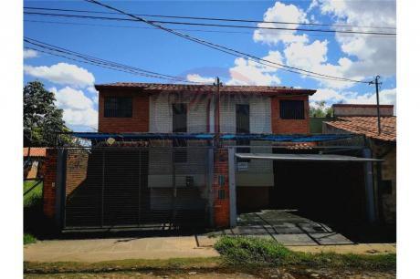 Duplex En Villa Adela-luque