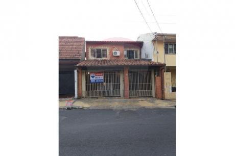 Casa Sobre Tacuary Y Rodriguez De Francia
