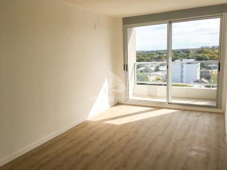 Apartamento En Alquiler En Brazo Oriental. 2 Dormitorios, A Estrenar