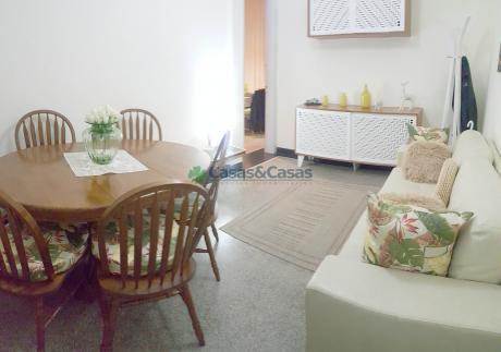 Apartamento De 2 Dormitorios Y 2 Baños En Canelones Y Ejido, Gran Ubicación!