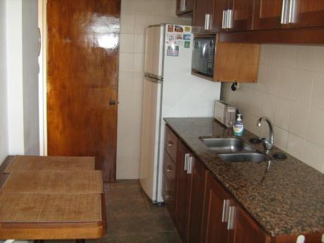 Dos Dormitorios Amplios En Buceo!!!