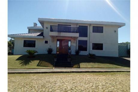 Residencia Amoblada Premium En Barrio Cerrado 5 Suites