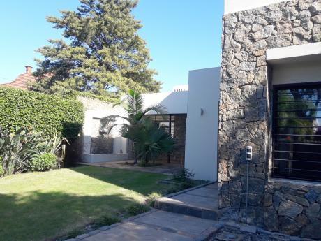 Alquiler Y Venta De Casa Moderna 3 Dormitorios  En Carrasco