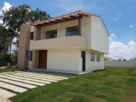 En  Venta Casa En Cond. Santa Cruz De Las Colinas