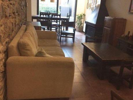Hermosa Casa Duplex Con Patio Y Parrillero