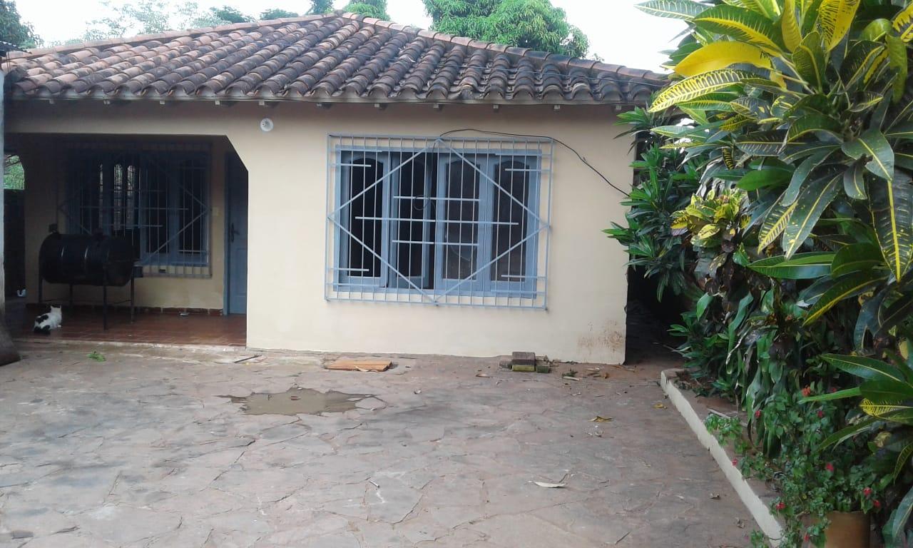 Vendo Casa En Villa Elisa, Amplio Terreno E Inmejorable Ubicacion