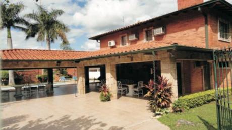 Amplia Residencia En San Bernardino Venta