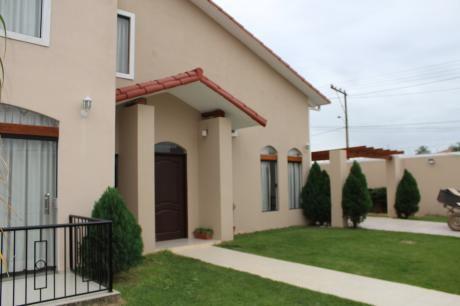 Hermosa Casa En Palma Dorada, Zona Sur, Residencial