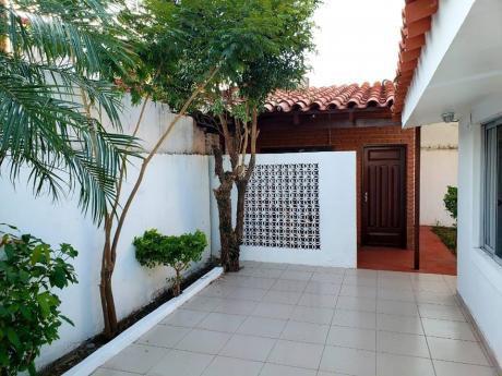 Casa En Venta Urbanizacion Las Palmeras Entre3ro Y 4to Anillo