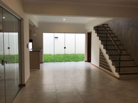 Vendo Duplex A Estrenar En Barrio Herrera Excelente Ubicacion