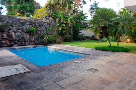 Alquilo Hermosa Casa Barrio Mburicao