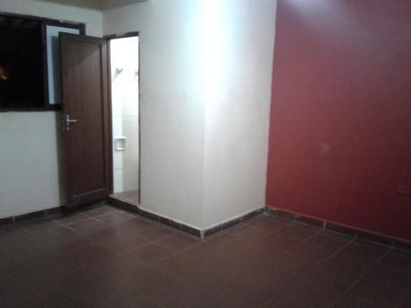Habitación Simple Con Baño Privado, Av. Roca Y Coronado 2° Anillo Bs. 800