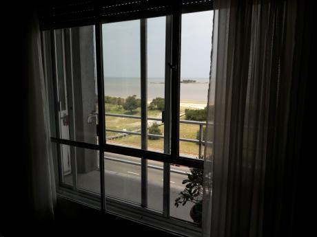 Frente Al Mar, 80 Metros, 3 Dormitorios, 2 Baños