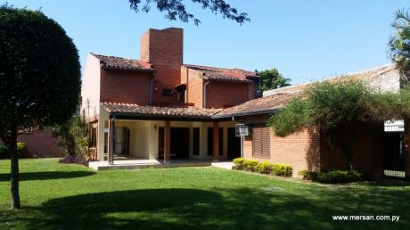 Amplia Residencia Zona Ycua Saty (277)