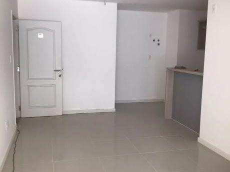 Apartamento De 1 Dormitorio En Parque Rodo