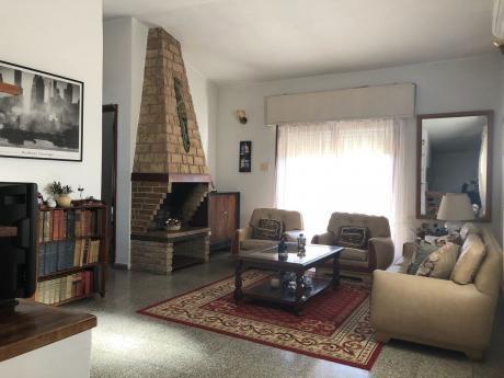Excelente Residencia En 4 Dormitorios En Paso Carrasco