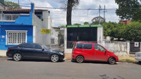 Alquilo Local Comercial Sobre Azara Zona General Santos De Asuncion
