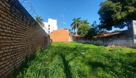 Vendo Terreno En Excelente Ubicación, En El Barrio Carmelitas.