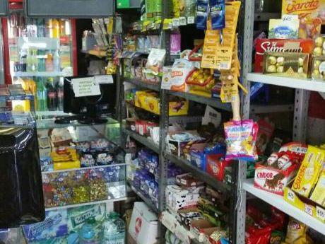 Oficina Sosa - Llave De Kiosco Sobre Av. Millán Próx. A Blvr. Artigas