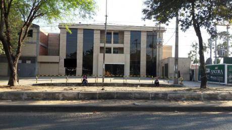 E018a. Alquilo Edificio Sobre Avda. Sta. Teresa!!!