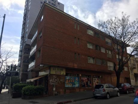 Venta De Apartamento Pocitos 2 Dorm C/gge