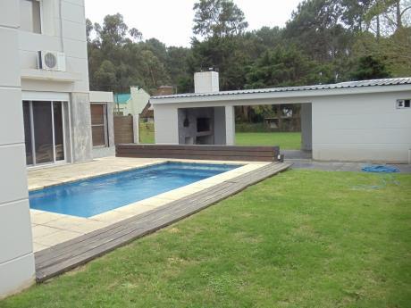 Alquilo De Forma Anual Hermosa Casa En Punta Del Este