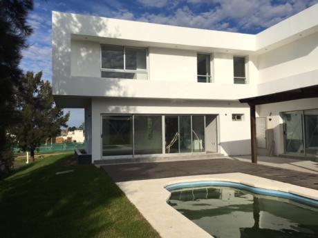 Casa A Estrenar En Altos De La Tahona