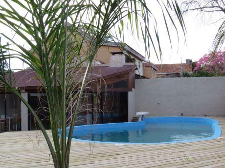Casa Reciclada A Nueva En Carrasco Con Piscina Y Barbacoa