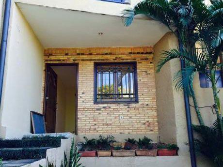 Alquilamos Hermosa Casa Tipo Duplex En El Barrio Residencial Mburukuya !!!!!!