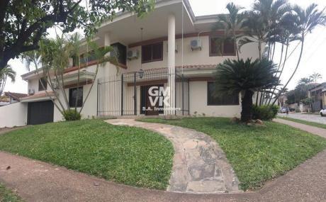 Alquilo Amplia Y Hermosa Casa En Barrio Jara