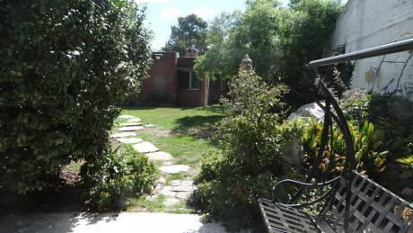 Pinares - Dos Casas En El Mismo Padrón  Muy Bien Ubicada