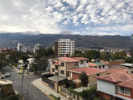 Centrico Departamento Amoblado De 1 Dormitorio En Alquiler (cochabamba)