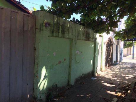 Vendo Casa A Refaccionar En Barrio Obrero.