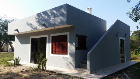 """En Anticretico Preciosa Casa De 2 Dormitorios En """"condominio Laguna Azul"""""""