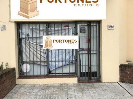 Local Comercial Prox. Ramon Anador Y Jose Batlle Y Ordoñez Buceo.