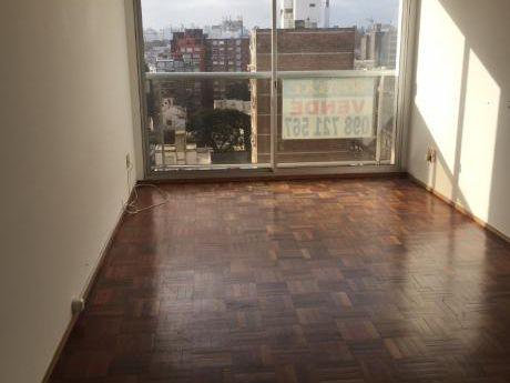Apartamento De 2 Dormitorios Y Garage En Pocitos!!!