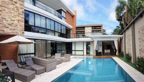 Alquilo Hermosa Casa, 4 Habitaciones En Suite. Lambare