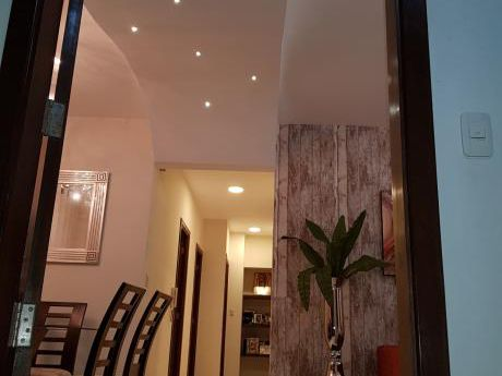 Oportunidad Exclusivo Apartamento Con Fino Acabado, Ubicado En Zona Residencial
