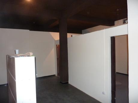 Apartamento Tipo Casa En La Comercial!