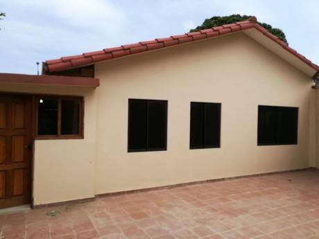 Bonita Casa En Venta Z/ Mutualista Sup. 289 Mts2