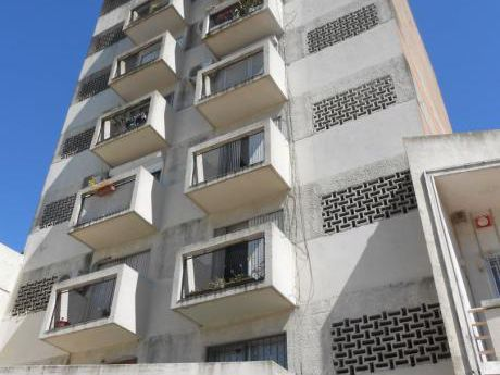 Hermoso Apartamento Sobre Avenida !!!