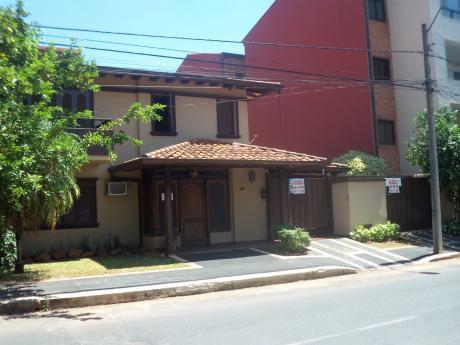 Elegante Residencia De 4 Dormitorios En Bº Herrera