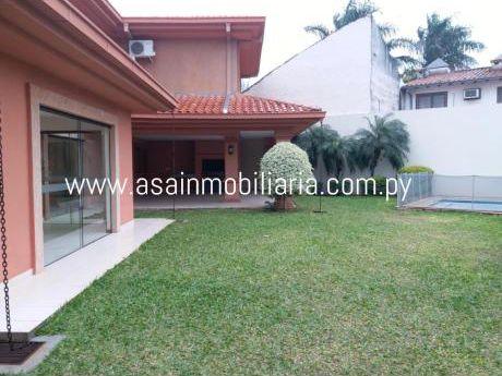 Hermosa Residencia En Condominio Con 4 Suites