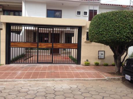 Casa En Alquiler En Barrio Las Palmas De 2 Plantas
